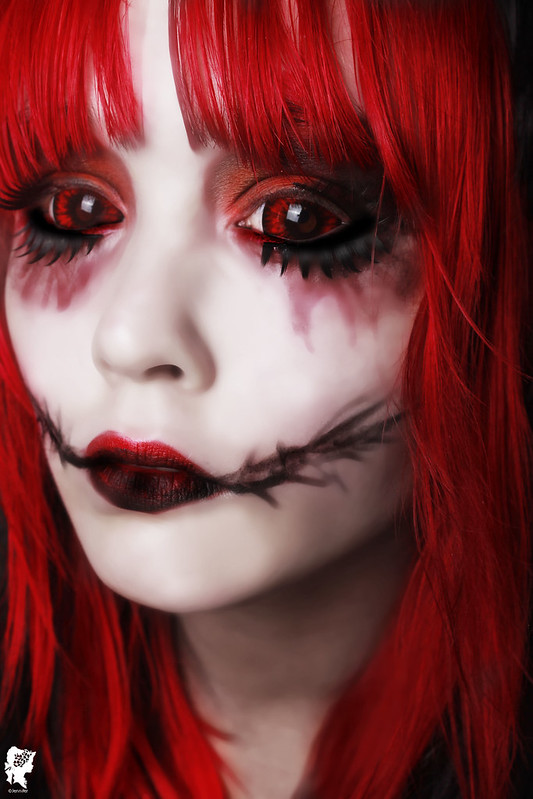 review-Phantasee-Red-Black-Sclera-lens-Sunpyre15
