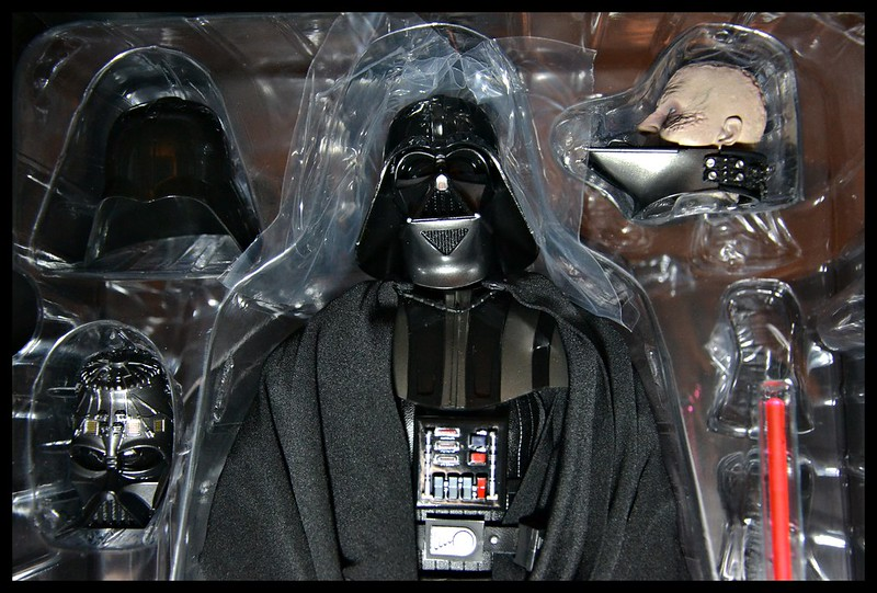 Sideshow Sixth Scale Darth Vader Deluxe