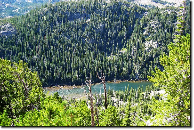 Dream Lake is seen looking S from the Flattop trail