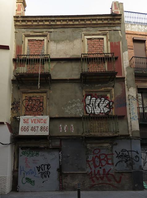 fixer upper; Sevilla, Andalucia, España (2015)