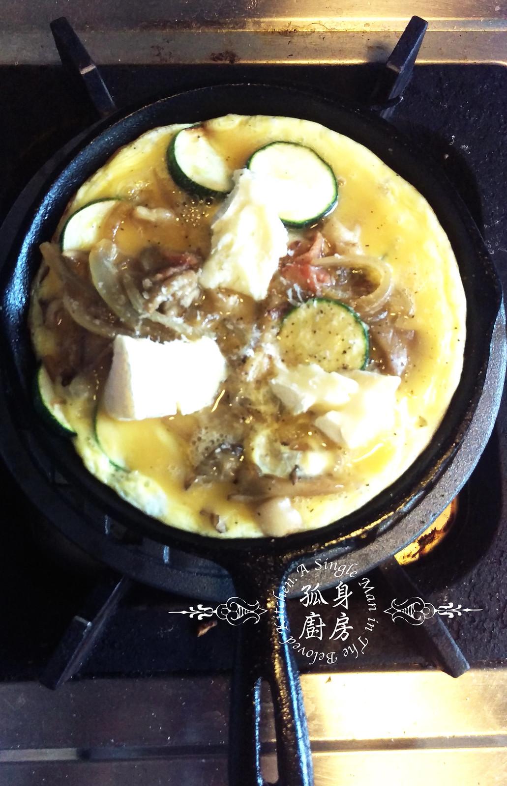 孤身廚房-清冰箱簡單早午餐!培根野菇櫛瓜義式烘蛋Frittata18