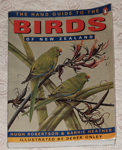 20150715-DSCF8684 Penguin The Hand Guide To The Birds Of New Zealand.jpg