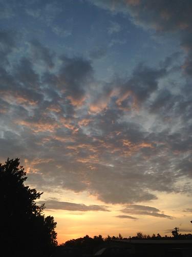 apple beautiful clouds sunrise massachusetts newengland colorfulclouds iphone5 danieljenkins