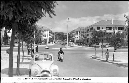 Praça Doutor Francisco Sá Carneiro, Cascais by Arquivo Histórico Municipal