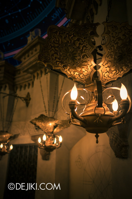 Tokyo DisneySea - Mediterranean Harbor / Fortress Explorations / Chamber of Planets / Lamp Detail