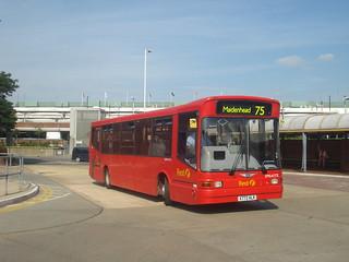 First Beeline DML41772 on Route 75, Heathrow Central