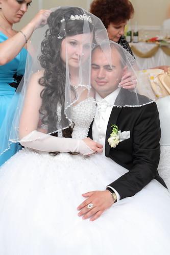 """Concursul Obiceiul """" Dezbrăcatul miresei!!!"""" > Andrei & Aliona Ţurcan"""