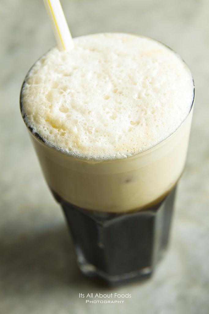 iced-local-coffee-precious-old-china