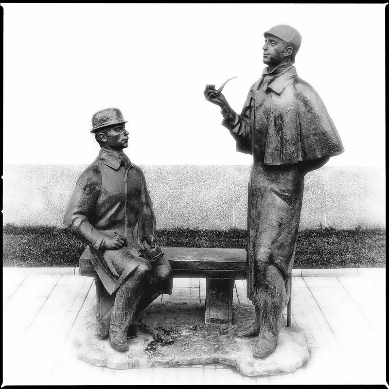 «Памятник Шерлоку Холмсу и доктору Ватсону» (Sherlock Holmes and Dr. Watson)