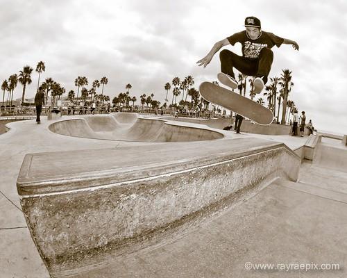 Venice Skatepark: Willy Correa 10-13-13