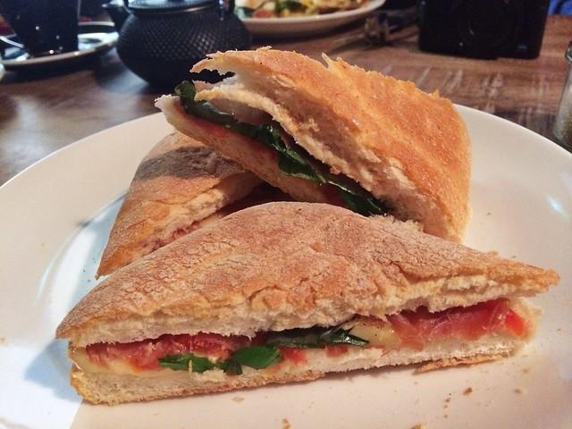 Prosciutto sandwich, Ronin