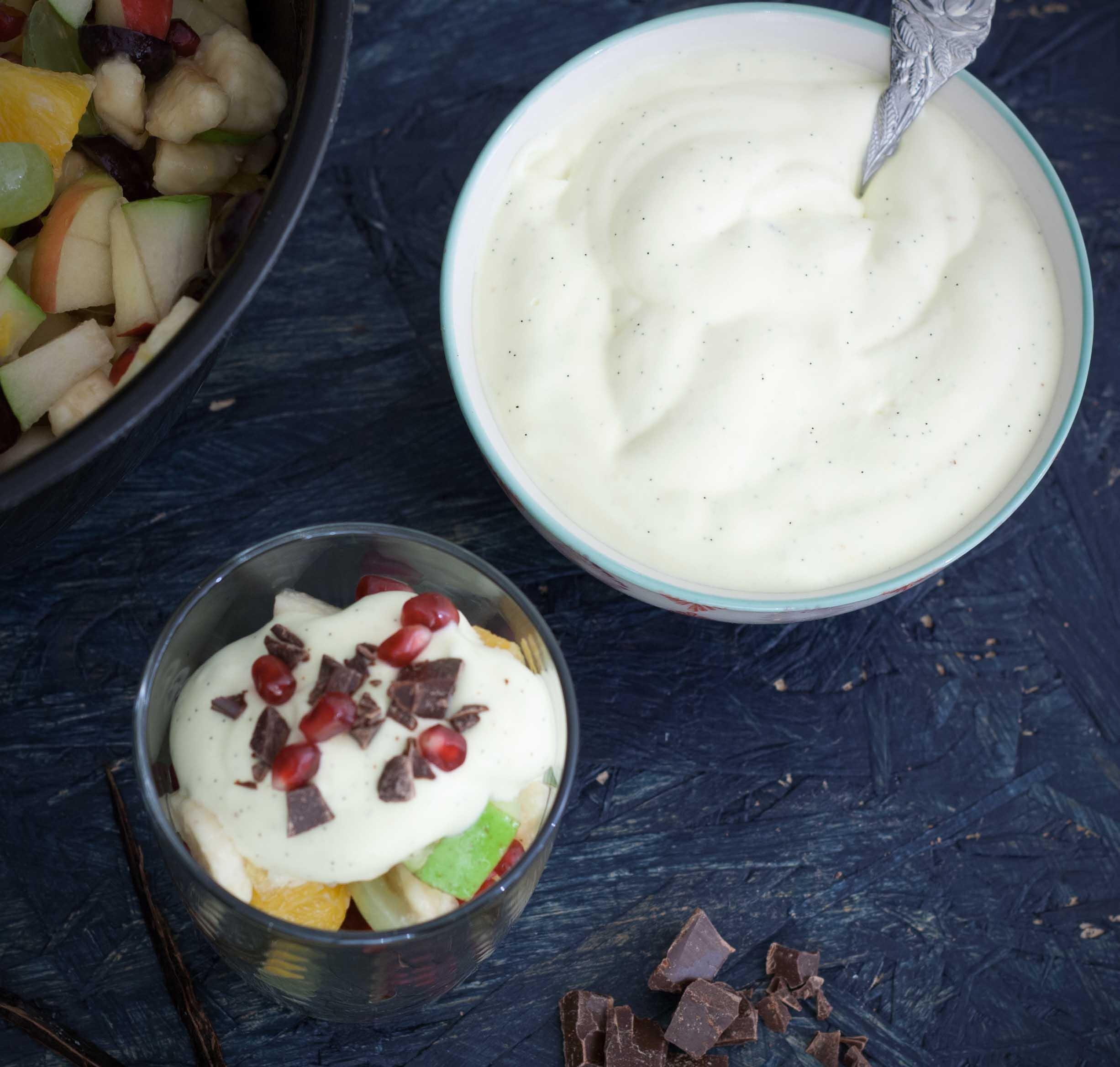 Opskrift på hjemmelavet Frugtsalat med råcreme