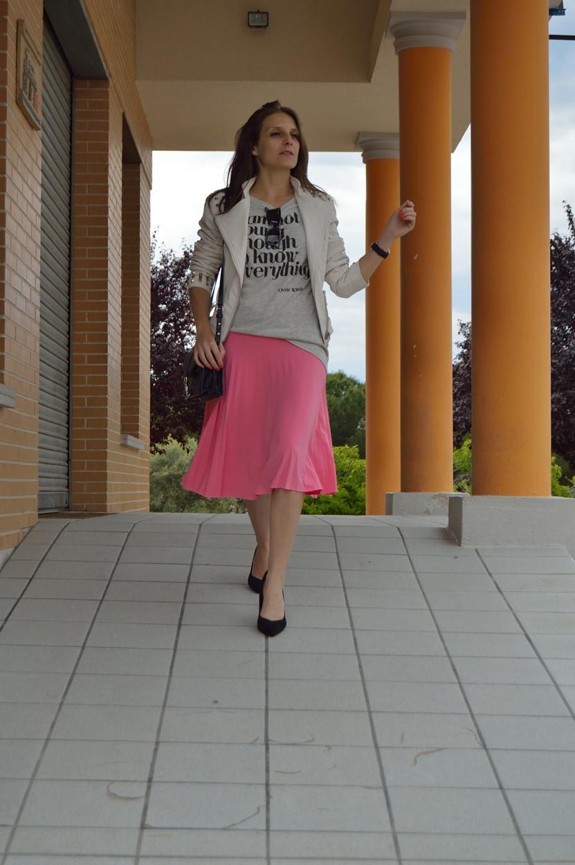 lara-vazquez-madlula-blog-style-fashion-pink-midi-skirt