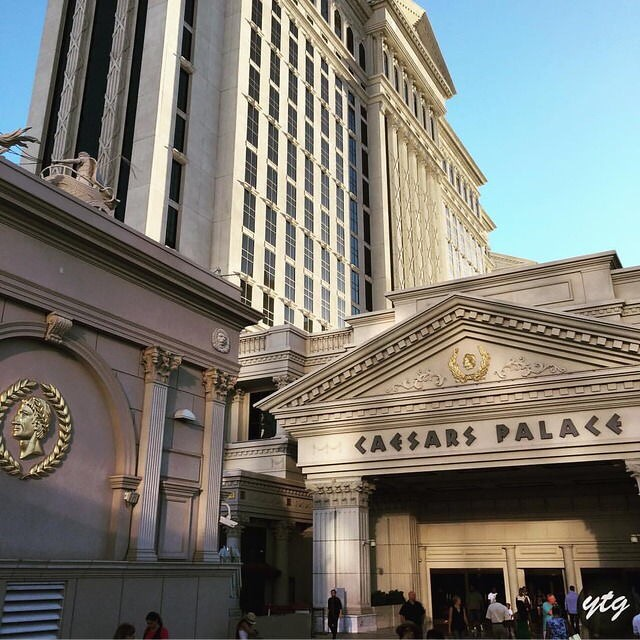 ‪This isn't the real Caesars Palace, is it?? 😜‬ ‪📍Caesars Palace‬ ‪https://youtu.be/kuf3ko6sZbg‬  ‪#LasVegas #caesars #palace #travel #blog #influence‬