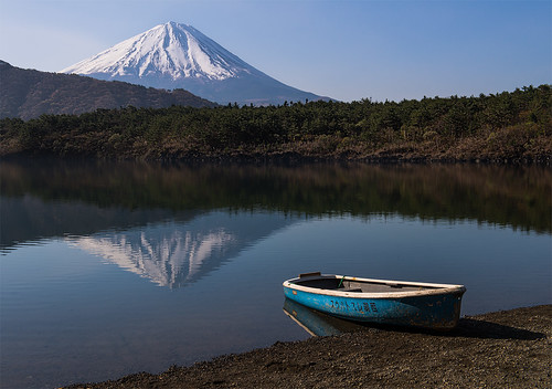 morning mountain lake reflection japan boat fuji mtfuji nikkor2470 nikond800