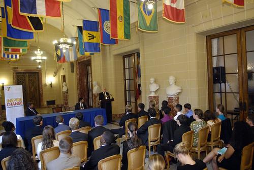 Secretario General recibió a un grupo de estudiantes estadounidenses en la OEA