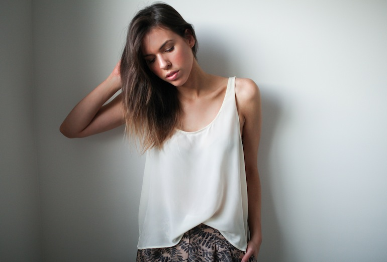 Modern Legacy fashion blog Australia Staple the Label silk tank top cream (2 of 2)