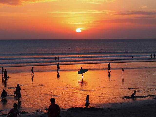 Sun Due West 巴厘日落