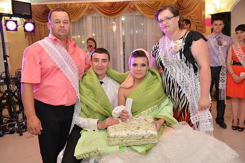 """Concursul Obiceiul """" Dezbrăcatul miresei!!!"""" > Mihai & Svetlana Rusu"""