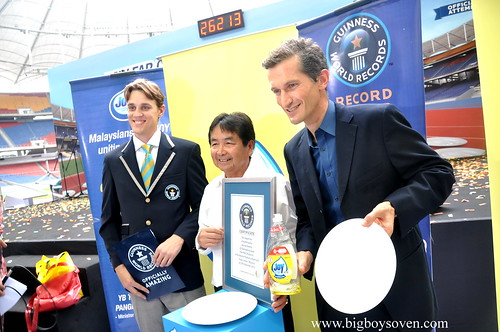 the Guinness World Record with JOY dishwashing liquuid 6