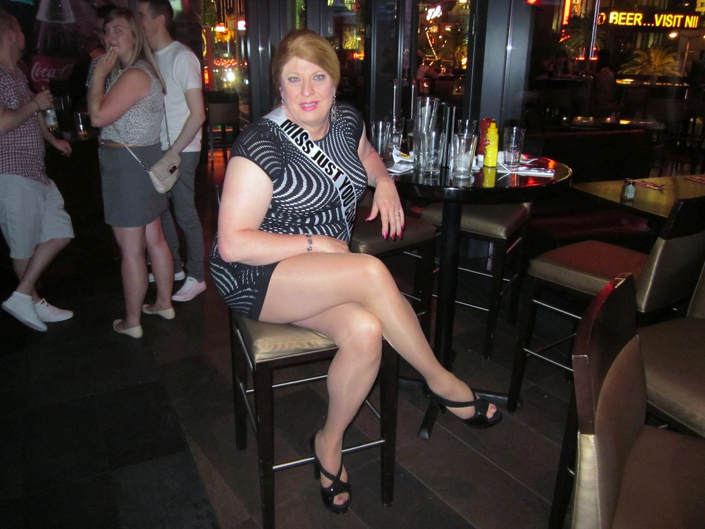Long Smooth Sexy Legs At The Hard Rock Cafe In Las Vegas Flickr