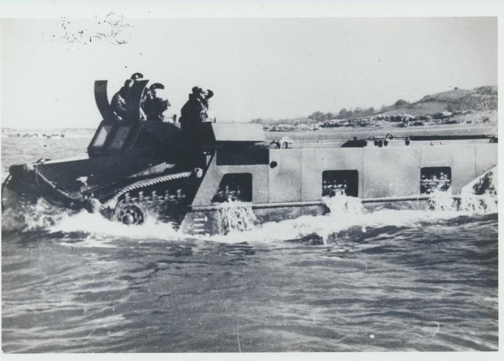 British Neptune Carrier 1944. Alternative to LVT 4 002
