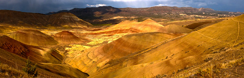 red orange usa yellow oregon centraloregon america sand desert hills cascades pacificnorthwest rainstorm paintedhills アメリカ johnday 美国 米国 砂漠 オレゴン州 johndayfossilbed カスケード山脈