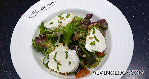 Plummy Mozzarella Salad (S$16.50) - Mesclun, cherry tomatoes, sauteed plums in balsamic vinegar, mint and pine nuts, tossed in house dressing.