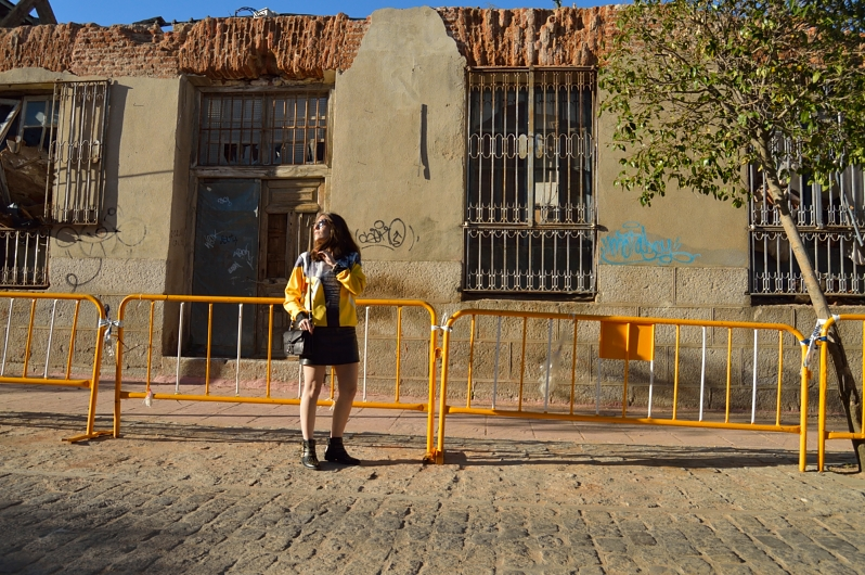 lara-vazquez-madlula-blog-sheinside-look-black-yellow