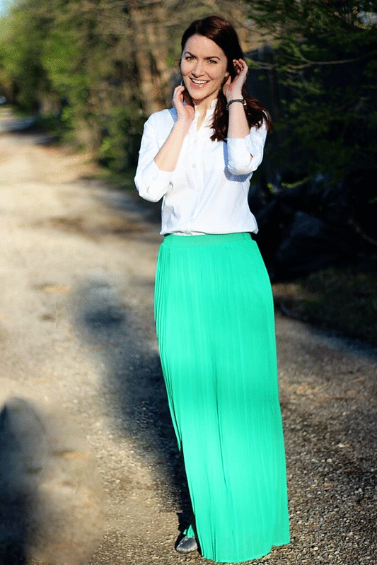 green-maxi-skirt-white-buttondown2