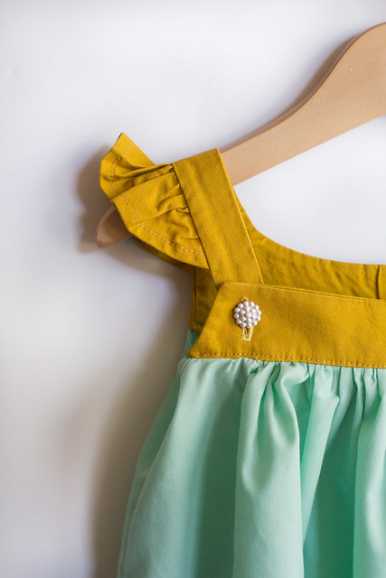 sew chic kids inspired pinafore