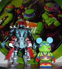 "Vinylmation ZOOPER HEROES :: 'ZIPPY THE ROCKET TURTLE' - DISNEY VINYL 3"" xi // .. with AIR NINJA SHREDDER '04  ((  2013 ))"