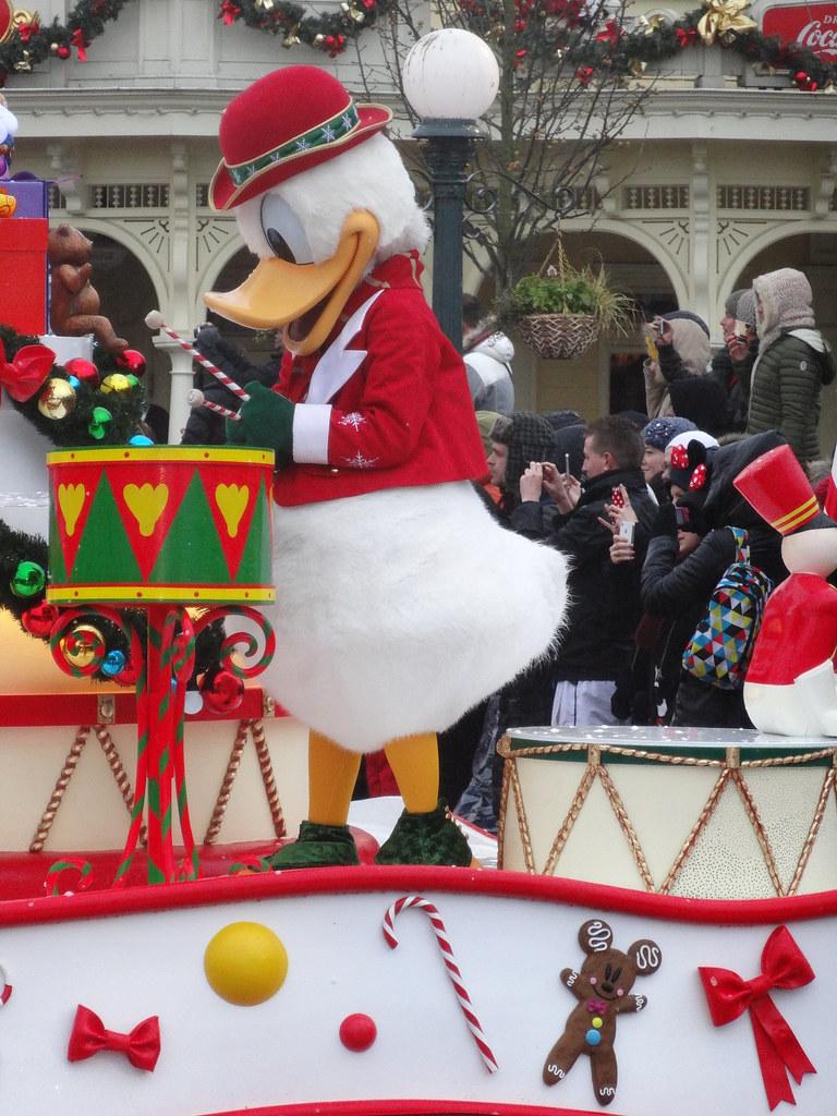 Un séjour pour la Noël à Disneyland et au Royaume d'Arendelle.... - Page 6 13899714103_fce649c687_b