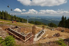 Skiresort Černá hora – Pec: staví se nejrychlejší lanovka v Česku