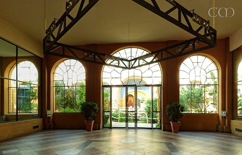 Impressive entrance hall of the Antelope house!