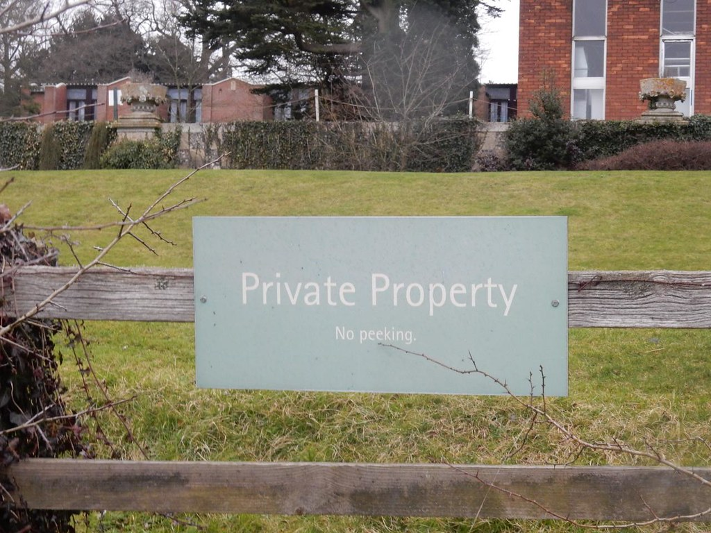 Sign, Latimer House If I was a vandal, which I'm not, I'd be very tempted to paint out the k Chorleywood to Chesham