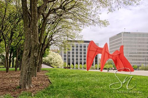 Calder Plaza 9200-07