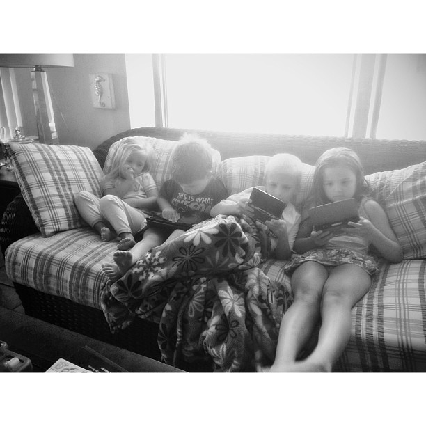 tired kids   #pictapgo_app