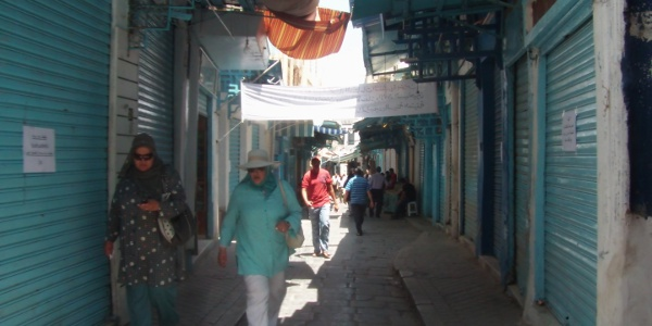Strike Quiets Tunis Medina, but Some Shopkeepers Resist