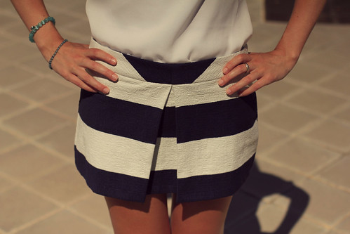 pullandbear navy skirt