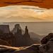 Mesa Arch by Tōn