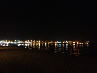 Bild av Iho Taewu Beach (이호테우해변) Iho Beach. reflection beach night uploaded:by=flickrmobile flickriosapp:filter=nofilter