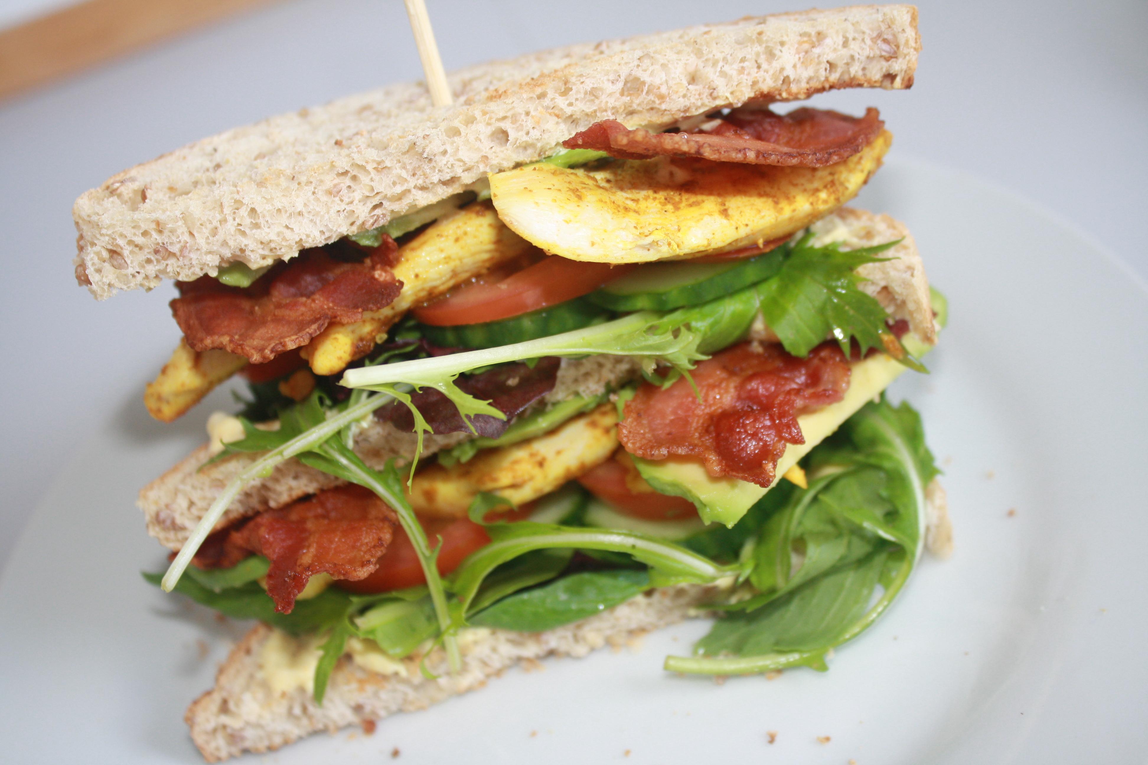 Opskrift på Lækker hjemmelavet clubsandwich
