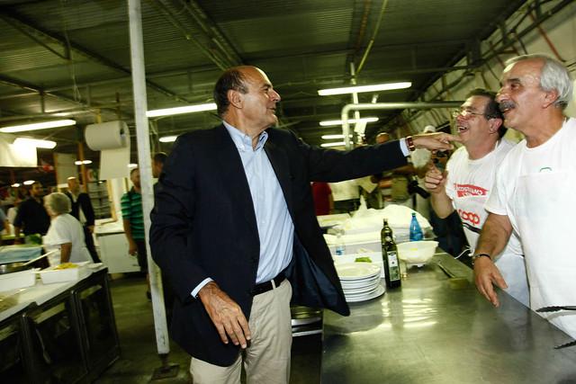 PIER LUIGI BERSANI VISITA LA FESTA E VIENEINTERVISTATO DA Mario Orfeo, direttore de il Tg1