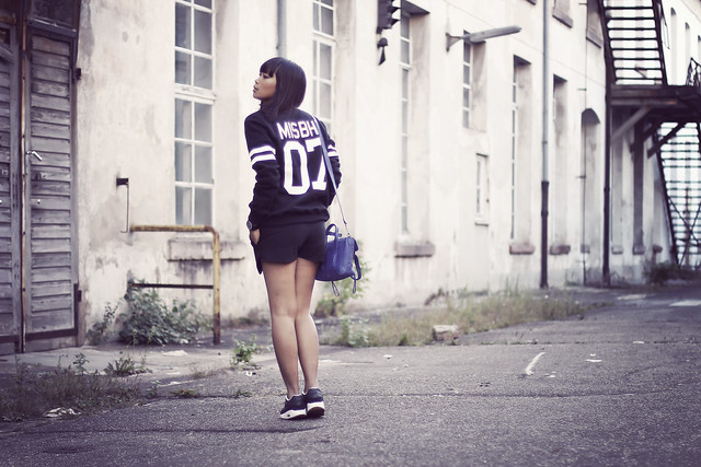 misbhv-team-paris-sweater-nike-airmax-black-phillip-lim-mini-pashli