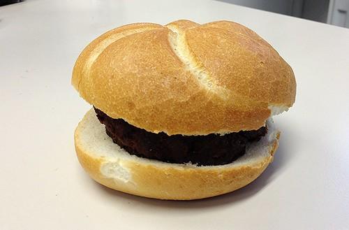 Fleischpflanzerlsemmel / Frikadellenbrötchen / Meat ball bun