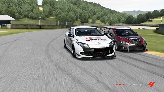 FM4_Forza740