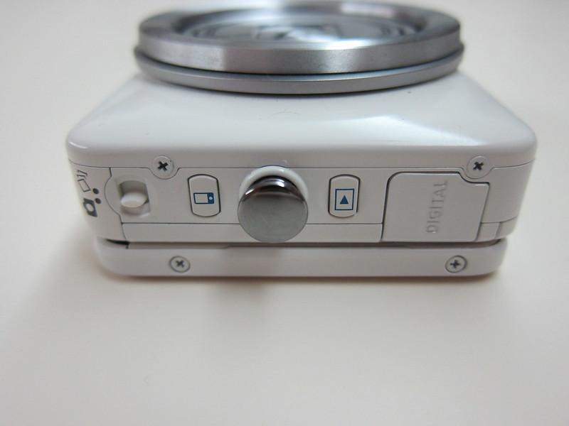 Canon PowerShot N -  Wi-Fi Button & Preview Button