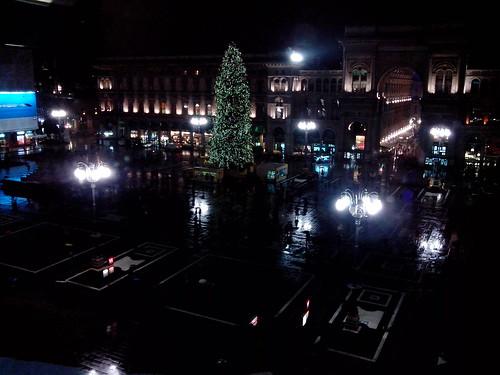 L'albero di Natale sotto la pioggia by Ylbert Durishti