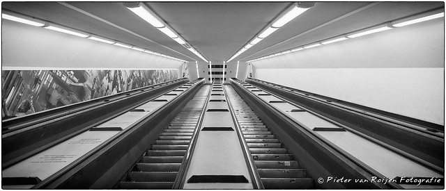 FV Flickr Top 5; 2-37: Maastunnel escalator